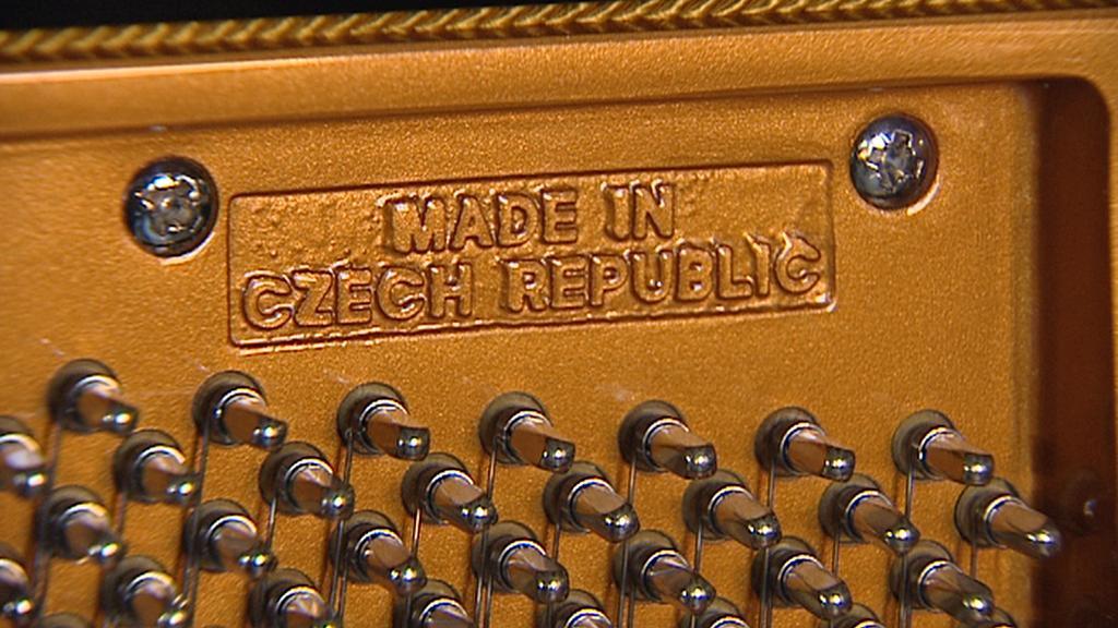 Klavír značky Petrof