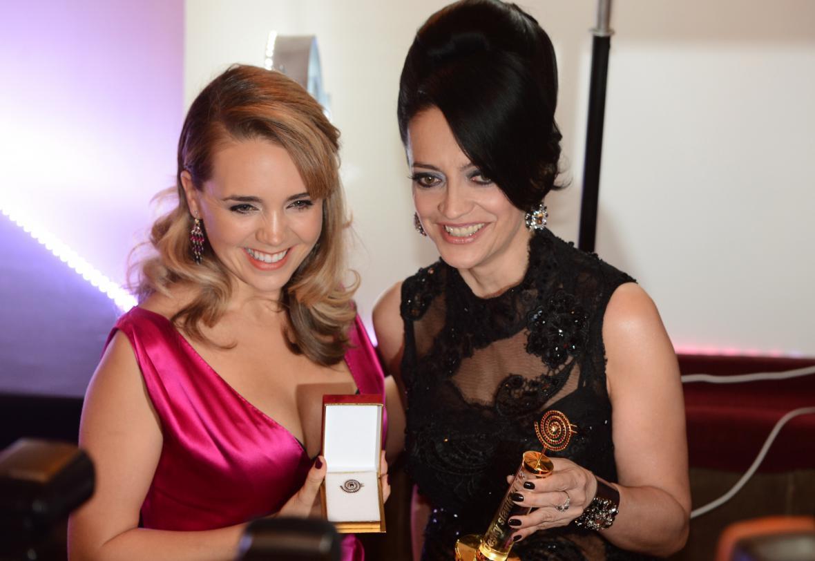 Zlatá a stříbrná slavice Lucie Bílá a Lucie Vondráčková
