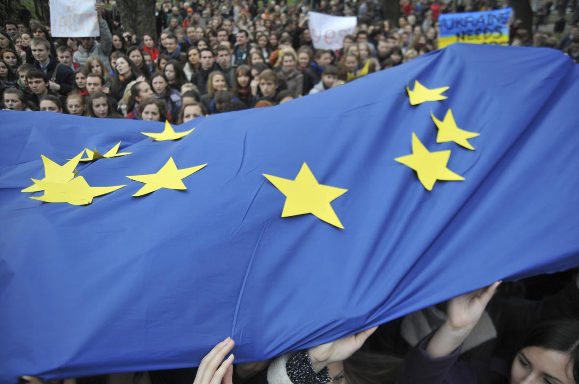 Ukrajinci demonstrují za podpis asociační dohody s EU