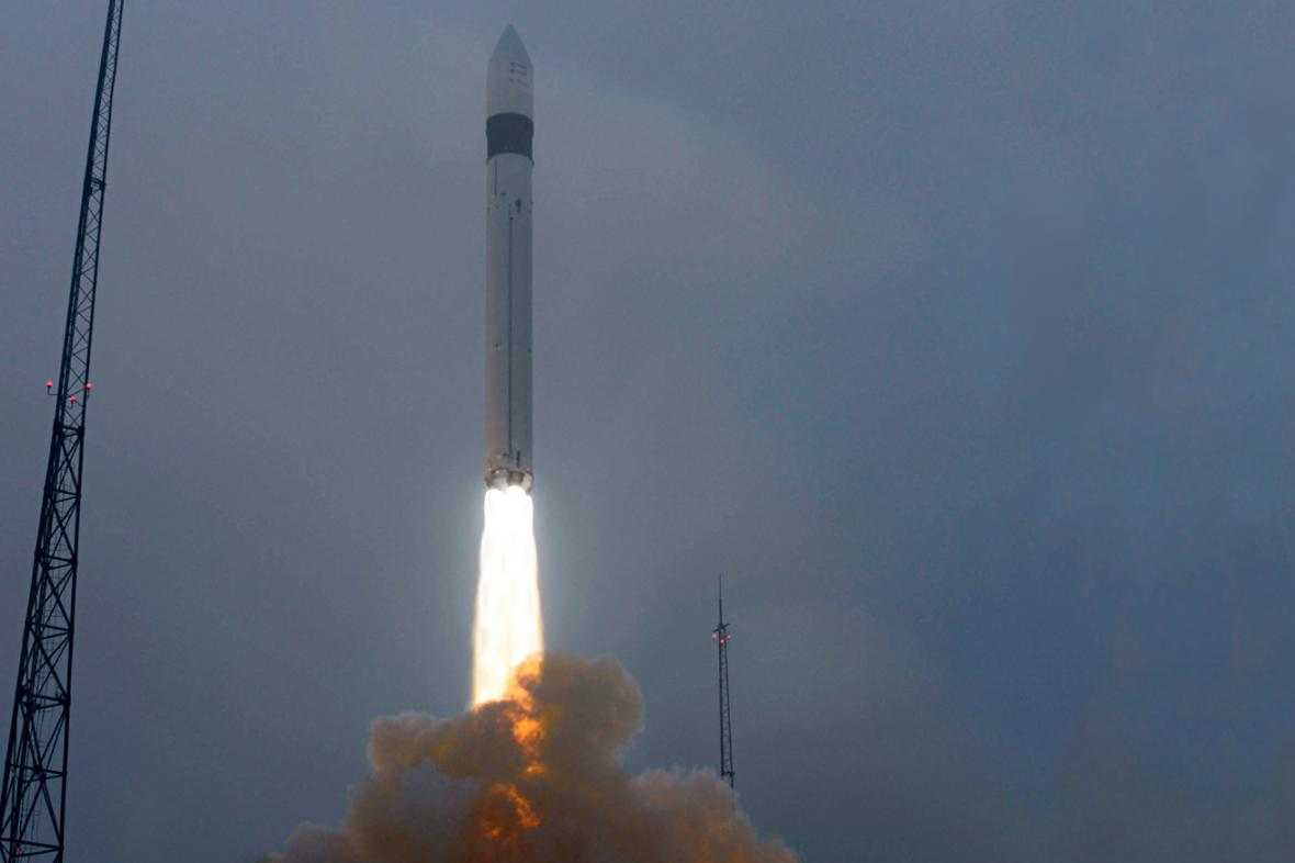Start rakety Rokot se satelity Swarm