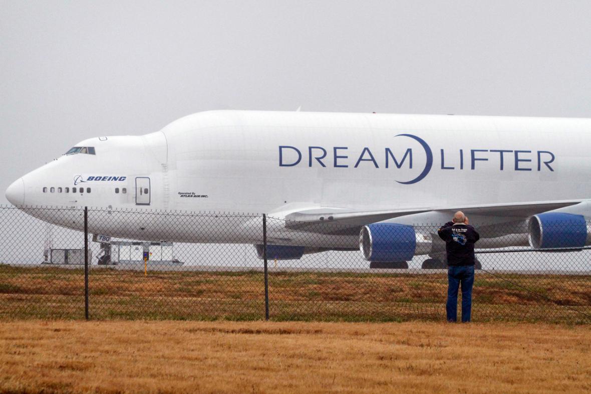 Dreamlifter na letišti James Jabara