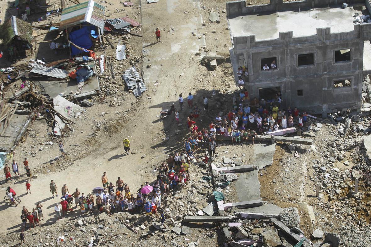 Filipínské městečko Hernani po tajfunu Haiyan