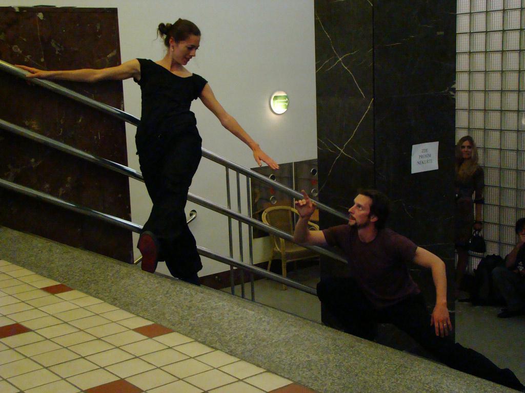 420people - Tanec na schodech
