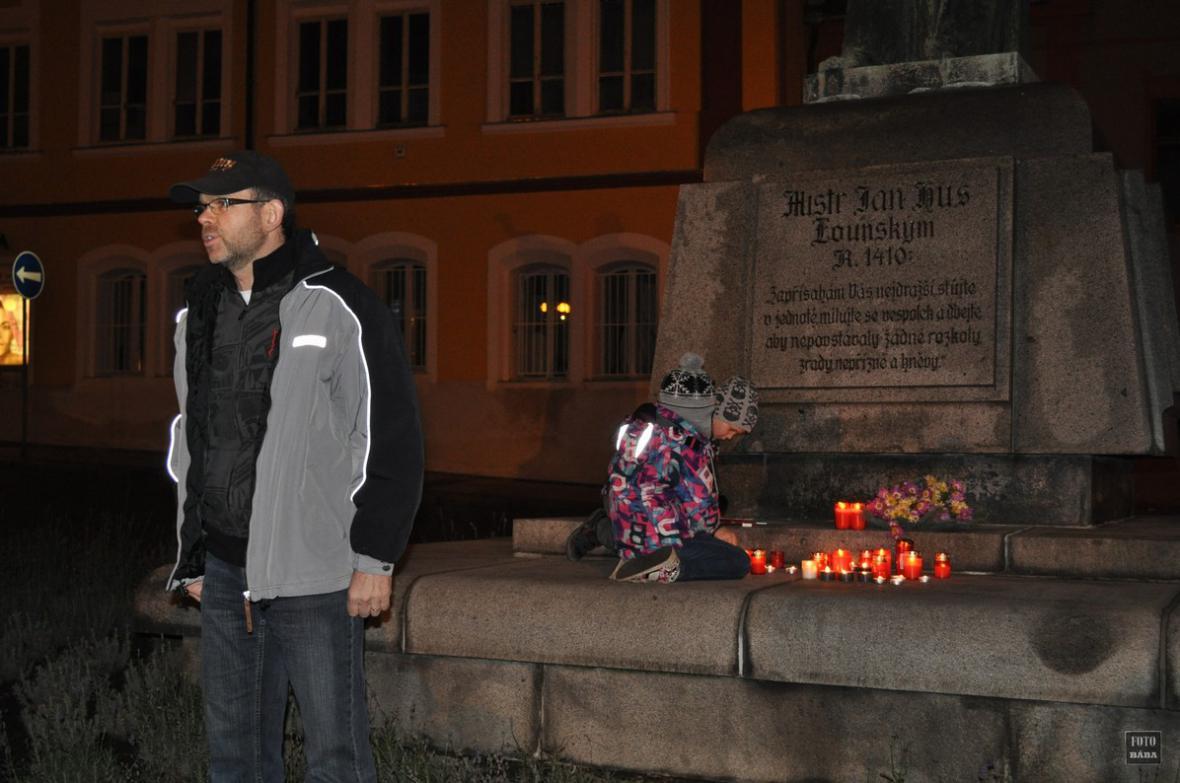 Připomínka 17. listopadu v Lounech