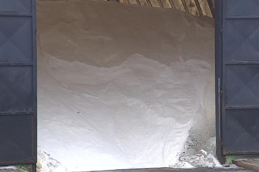 Sklady jsou před začátkem zimy plné soli