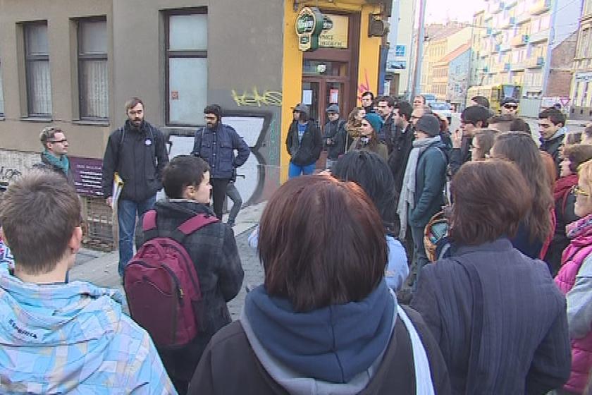 Na speciální prohlídku města dorazilo asi 80 lidí