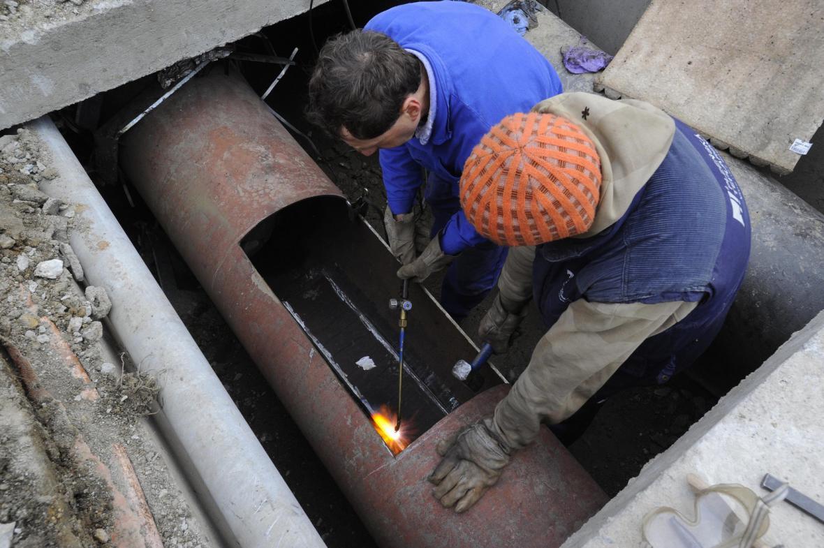 Oprava hlavního přivaděče tepla