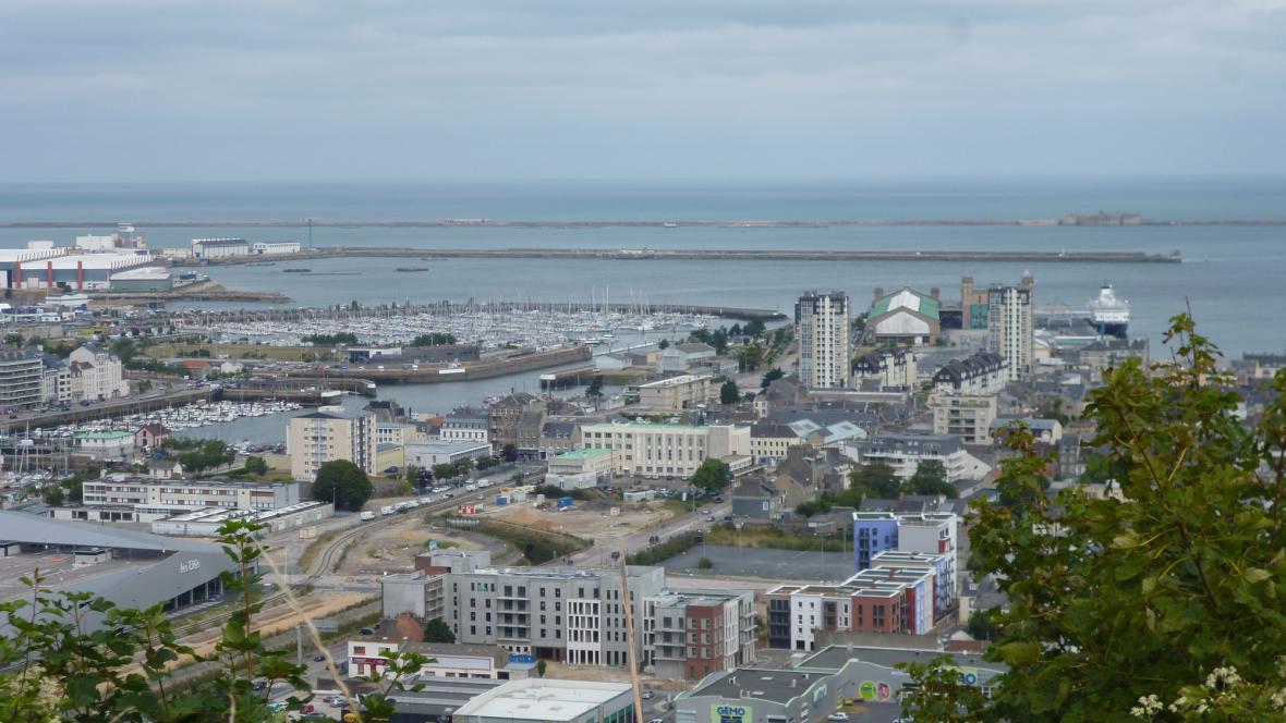 Cherbourg jako na dlani - od někdejší německé pevnosti