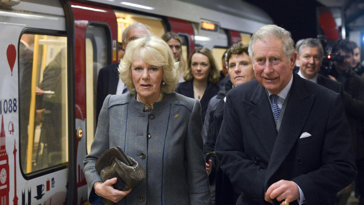 Camilla a Charles v metru