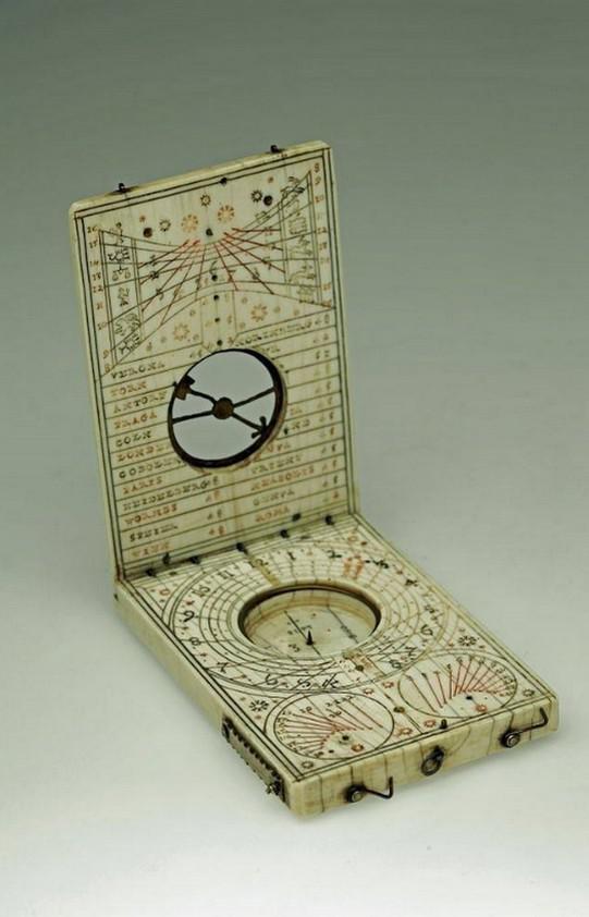 Sluneční hodiny ze slonoviny (1582)