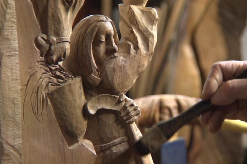 Dřevěný betlém je zakonzervován včelím voskem