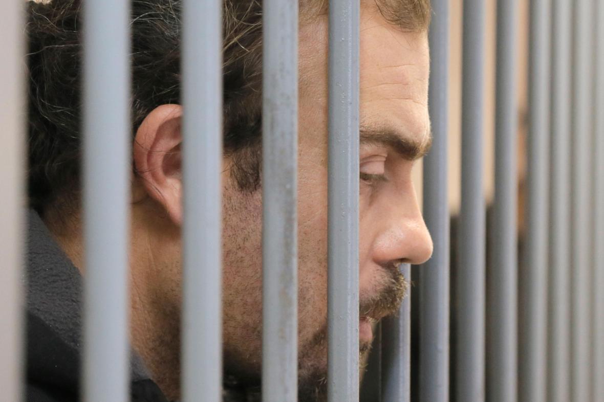 Aktivista Greenpeace Pisanu Francesco Pierre před soudem