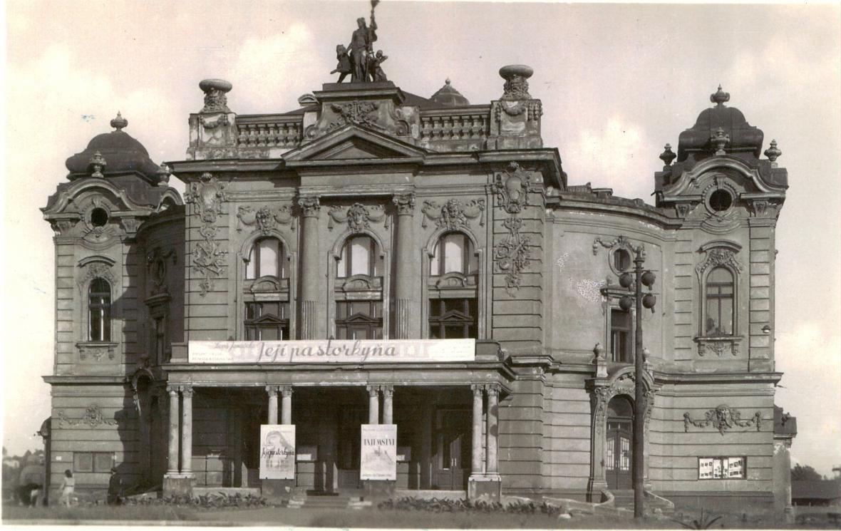 Divadlo Antonína Dvořáka - 1948
