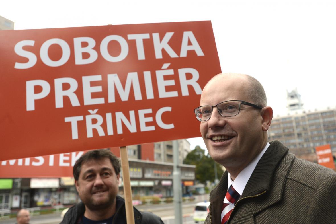 Bohuslav Sobotka před jednáním ÚVV