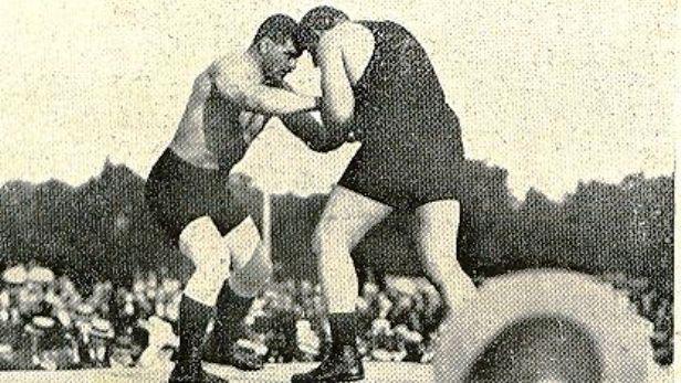 Gustav Frištenský zápasí