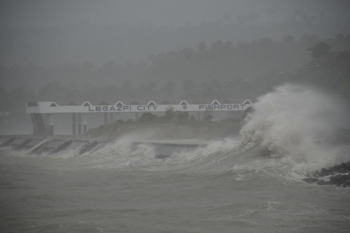 Tajfun Haiyan zpustošil Filipíny