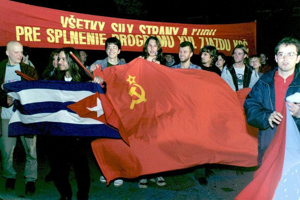Časy komunistické vlády si připomněli v Bratislavě v roce 1997