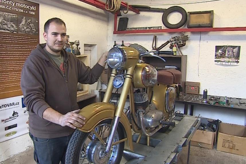 Miliontý československý motocykl - zlatá Jawa 175