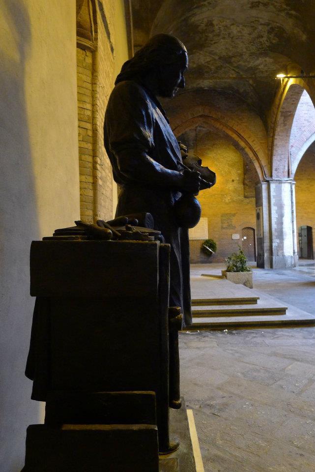 Socha houslaře v Cremoně