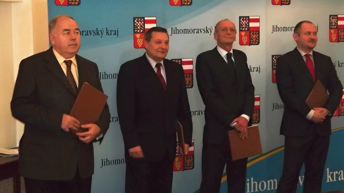 Po podpisu smlouvy ČSSD s KSČM