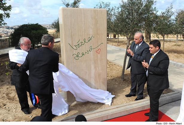 Odhalení pomníku V. Havla na Maltě