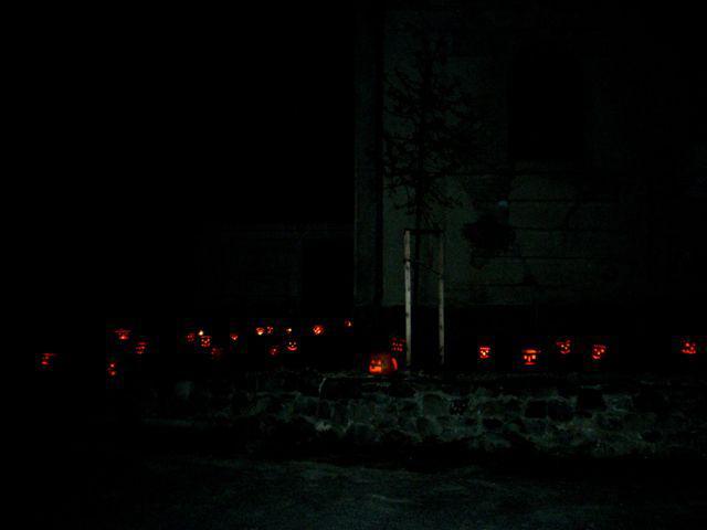 Dušičková slavnost v Košticích