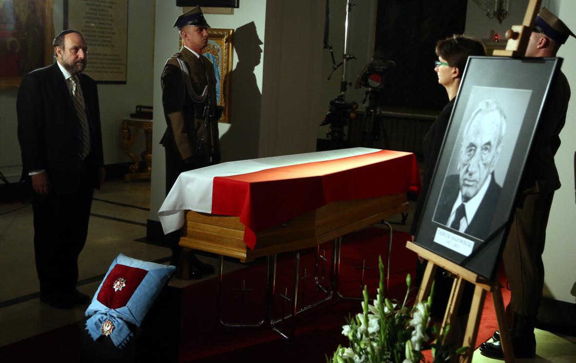 Poláci mohli vzdát hold bývalému premiérovi také v kapli prezidentského paláce