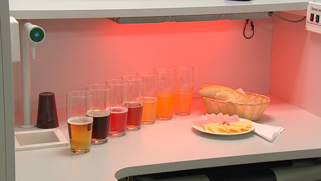 Pivní laboratoř - stanoviště degustátora je připraveno