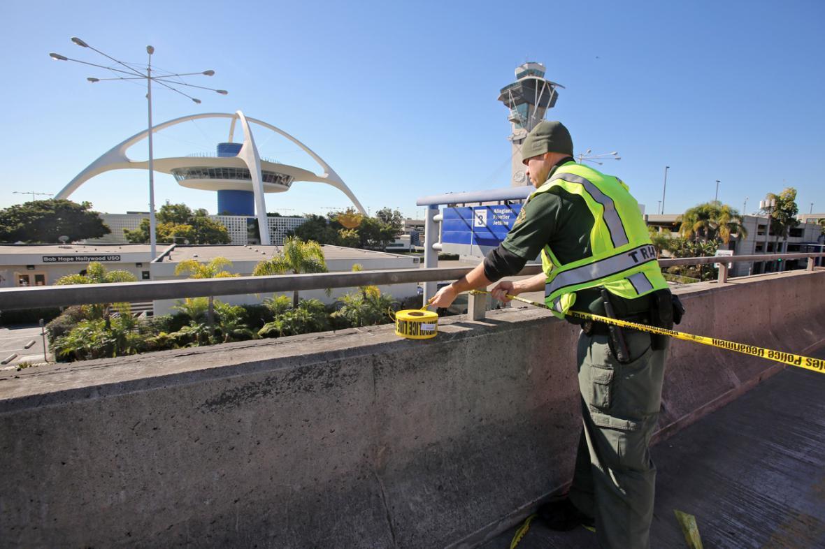 Policie uzavřela letiště v Los Angeles