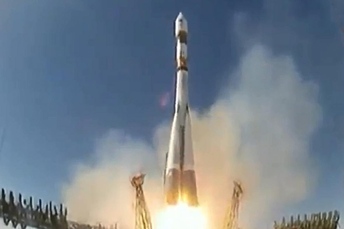 Start Sojuzu s družicí Bion-M1