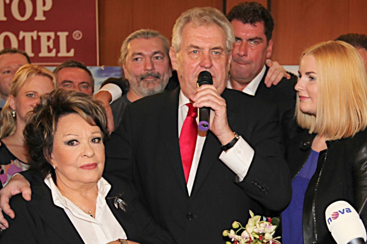 Jiřina Bohdalová a Miloš Zeman po zvolení prezidentem