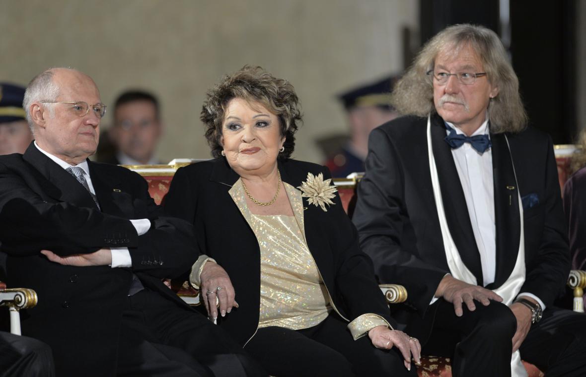 Václav Bělohradský, Jiřina Bohdalová a Lubomír Brabec obdrželi medaile Za zásluhy