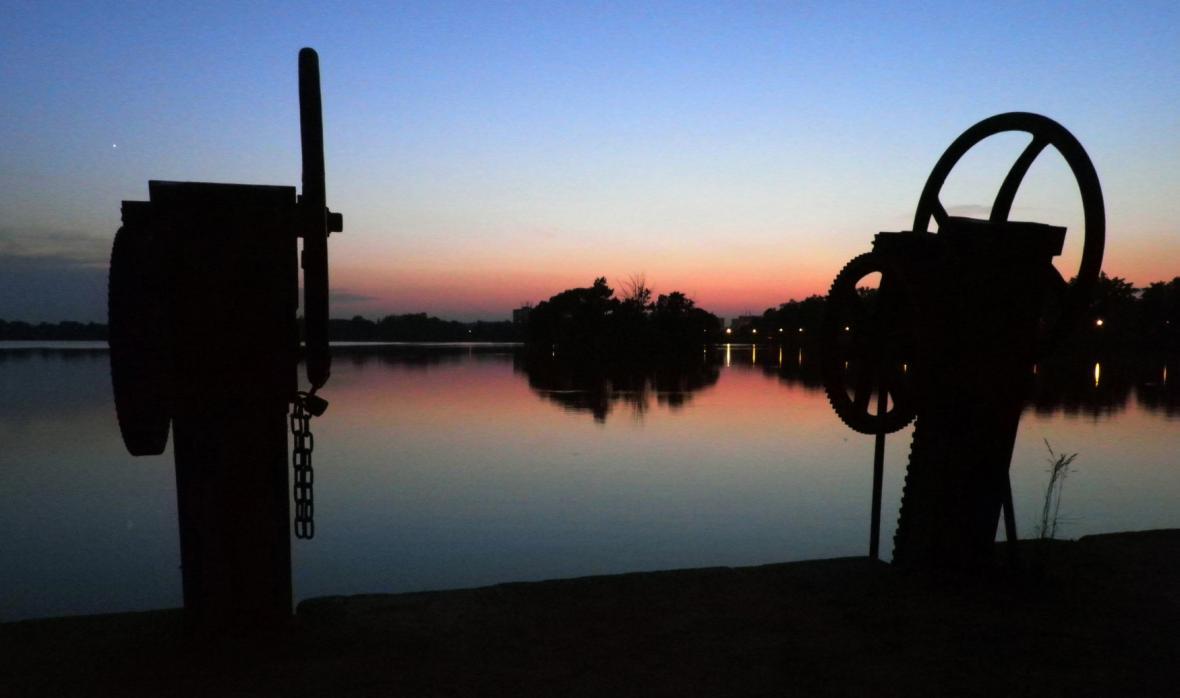 Stavidlo, rybník