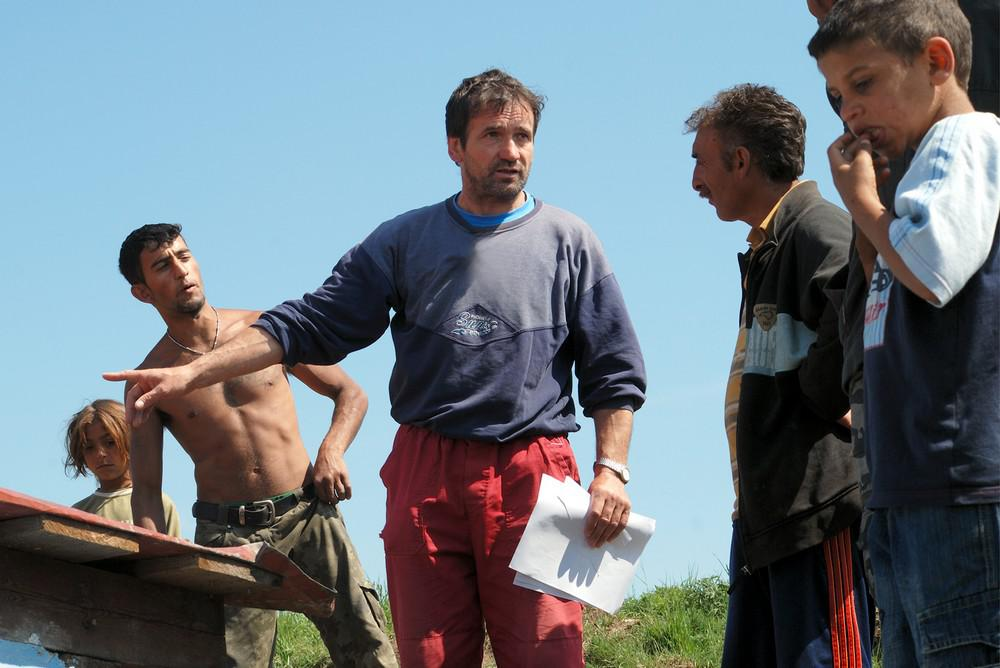 Marián Kuffa (uprostřed) nosí častěji monterky než kněžský oděv