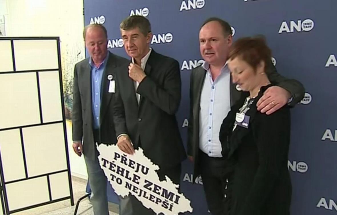 Andrej Babiš a představitelé hnutí ANO 2011