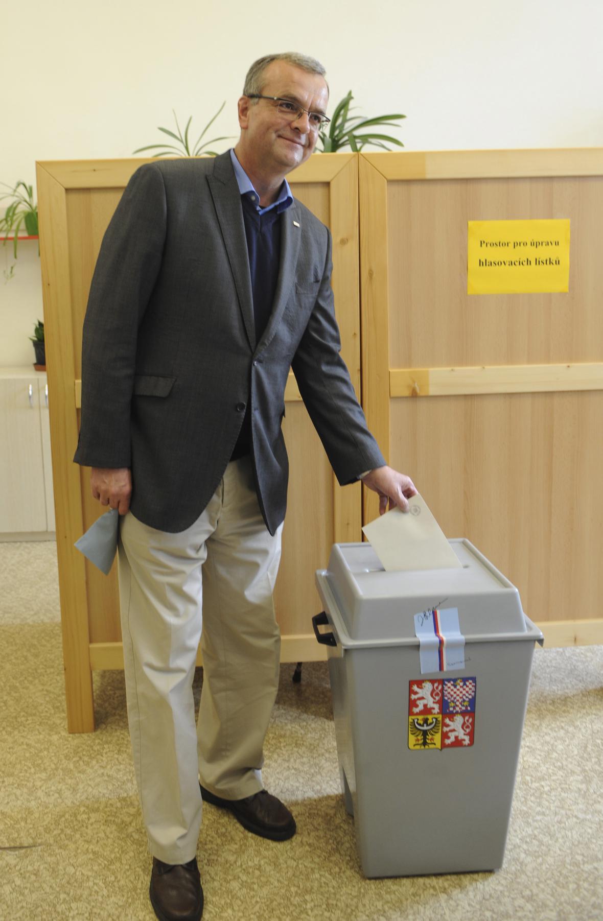 Miroslav Kalousek u voleb