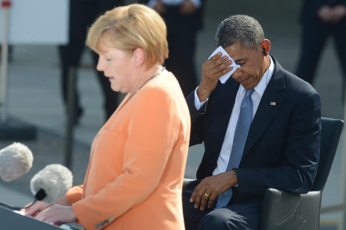 Obamu trápilo v Berlíně vedro