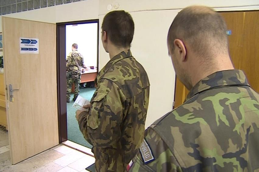 Hlasující vojáci