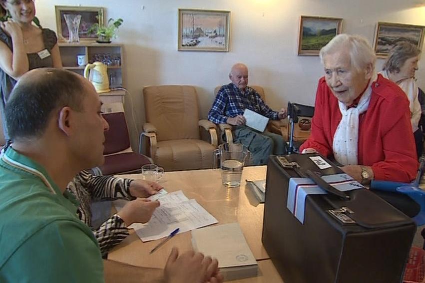 Volby v domově pro seniory