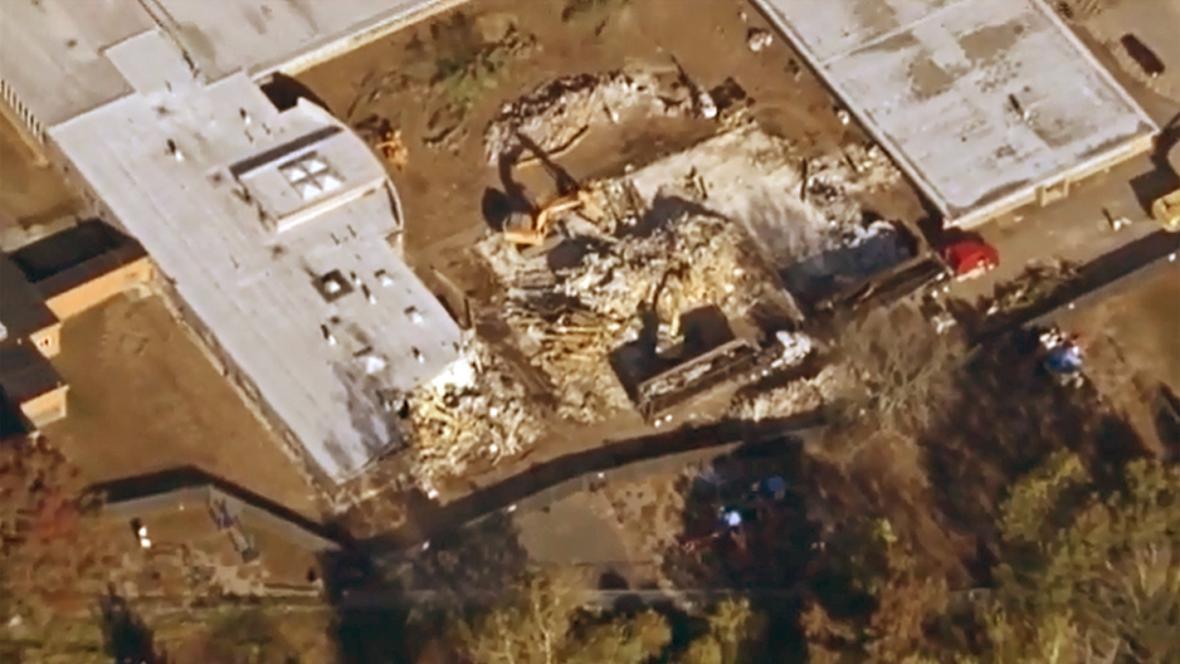 Demolice školy Sandy Hook v Newtownu