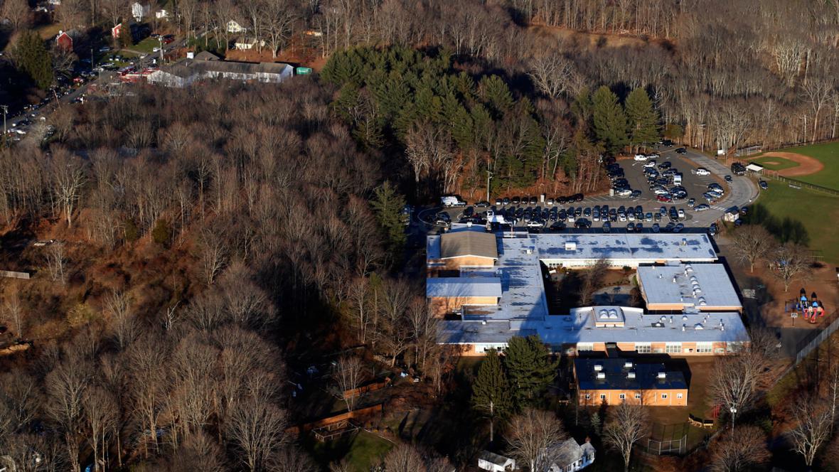 Škola Sandy Hook v Newtownu