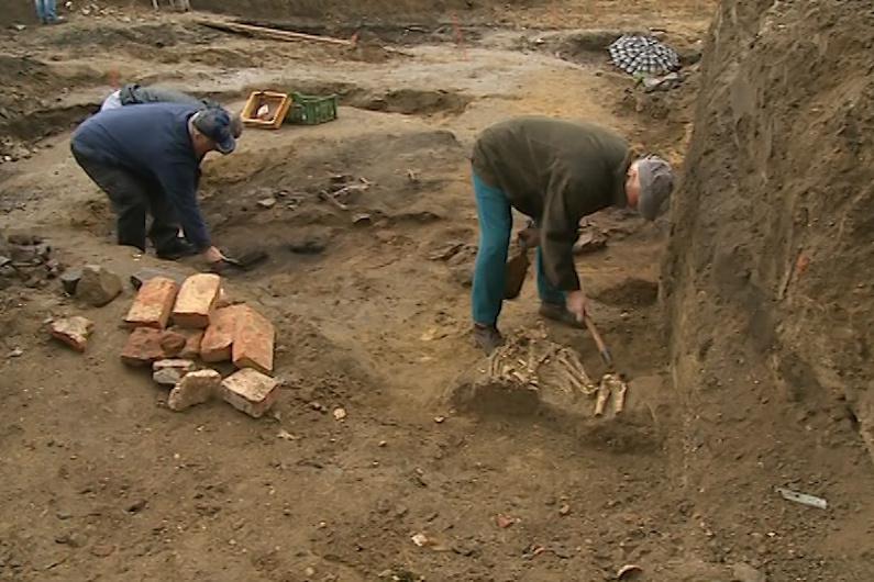 Archeologové našli hrob z 9. století