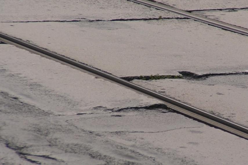 Poničené koleje