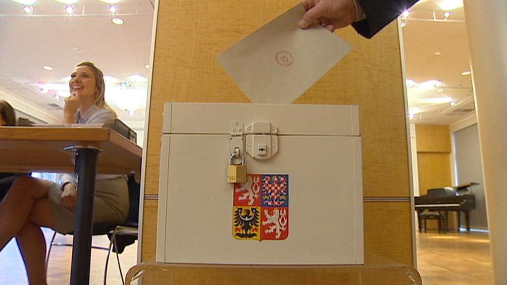 Volební urna na velvyslanectví v USA