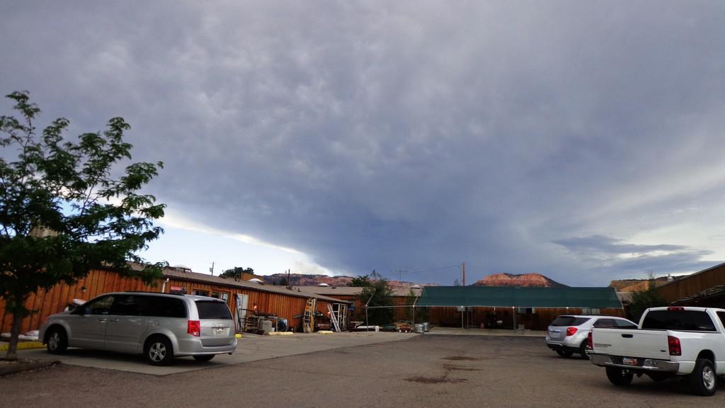 Bouřka nad Bryce Canyonem
