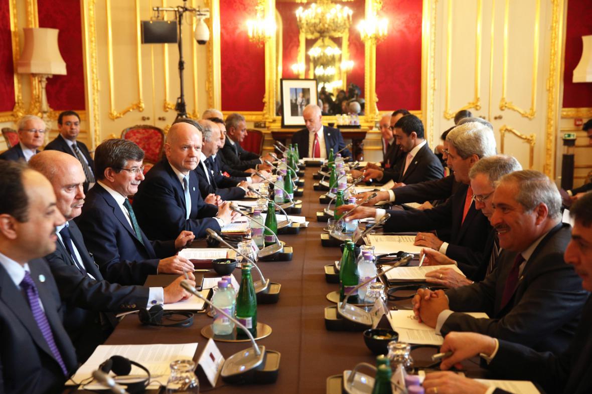 Přátelé Sýrie na konferenci v Londýně