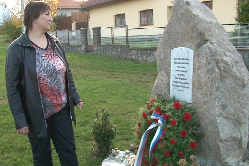 Heřmanovští na pomník na 70 let zapomněli