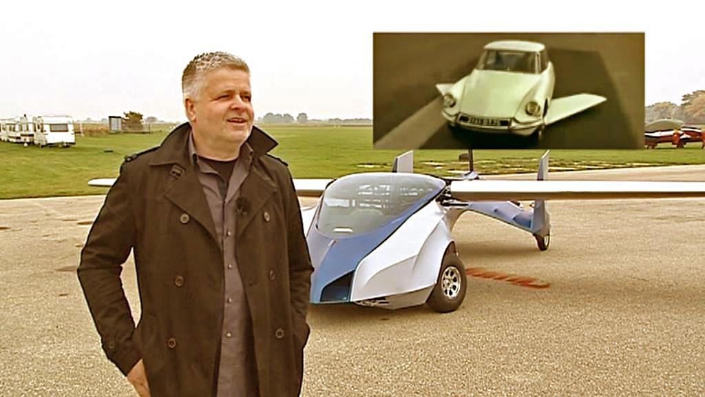 Štefan Klein se při konstrukci Aeromobilu inspiroval Fantomasovým autem