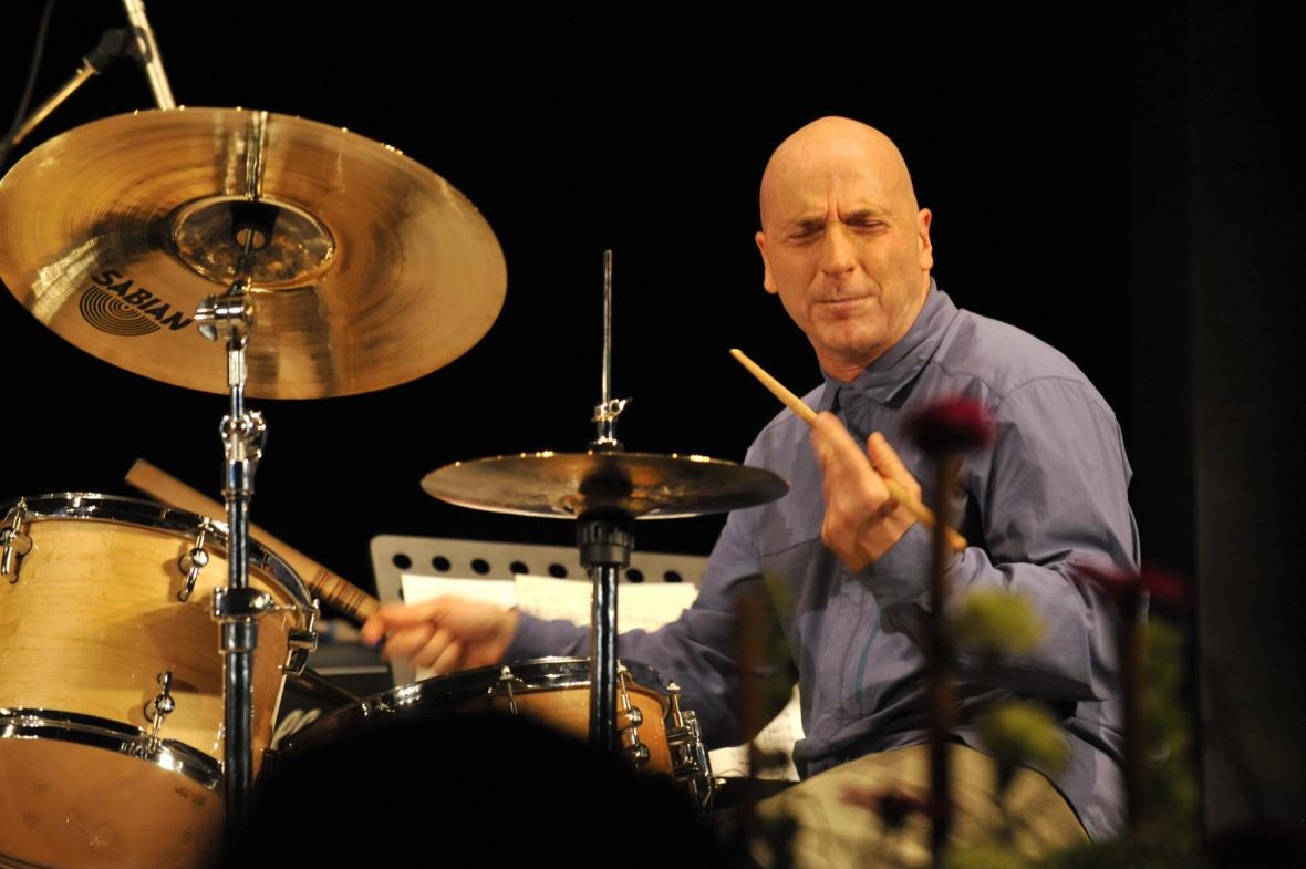 Bubeník Joey Baron
