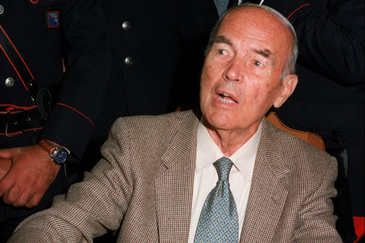 Erich Priebke během procesu v roce 1996